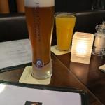 Alkoholfreies Weißbier kostet 3,70 Euro, die Maracuja-Scholre 3,80 Euro.