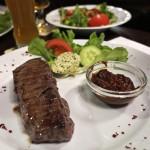 280 Gramm Angussteak mit Salat