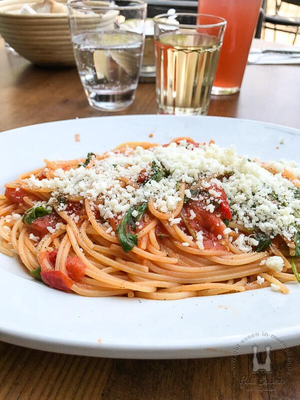 Die Spaghetti Rucola schmeckten uns sehr gut