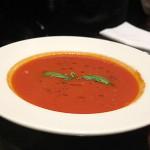 Tomatensuppe im Kleines Kameel