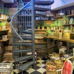 Über die Wendeltreppe in der Obst- und Gemüseabteilung ging es zuerst nach oben auf den Dachgarten.
