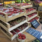 Obst- & Gemüseabteilung im Feinkost Käfer