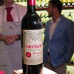 Die aktuell teuerste Flasche Wein im Käfer, ein Château Petrus für über 3.000 Euro