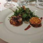 Röstitaler mit Ziegenkäse und Salatvariation