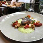 Adlerfisch mit Blumenkohl, Tomate und Curry