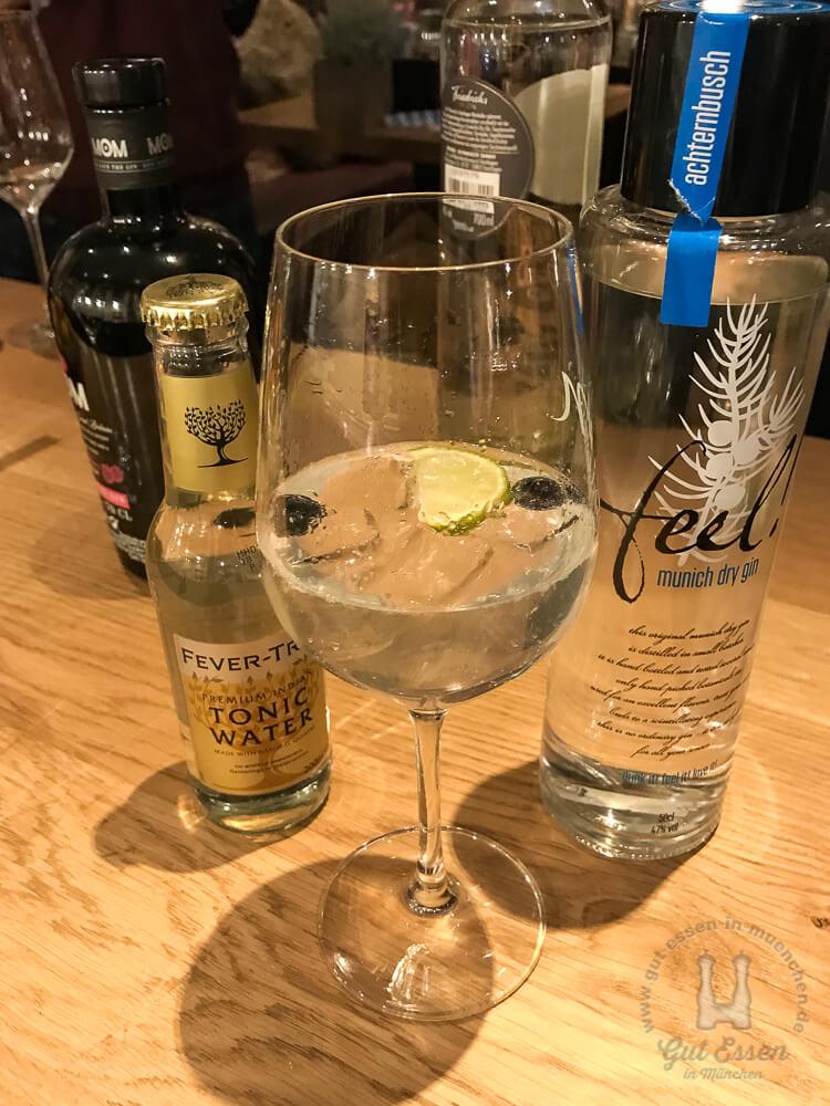 Der Feel Munich Dry Gin wird in Pasing destilliert