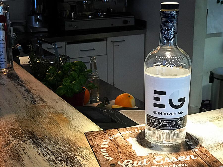 Edinburgh Gin – Milder Schotte mit Zitrusaromen, leichter Süße & Kiefernnadeln