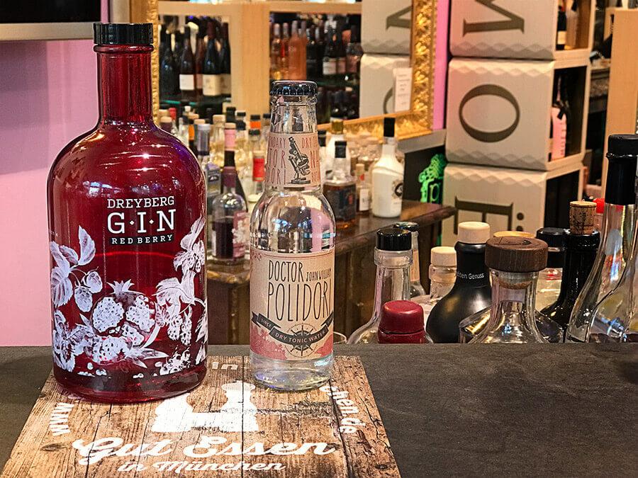 Ein guter Match: Der Dreyberg Red Berry Gin mit dem Doctor Polidori Dry Tonic