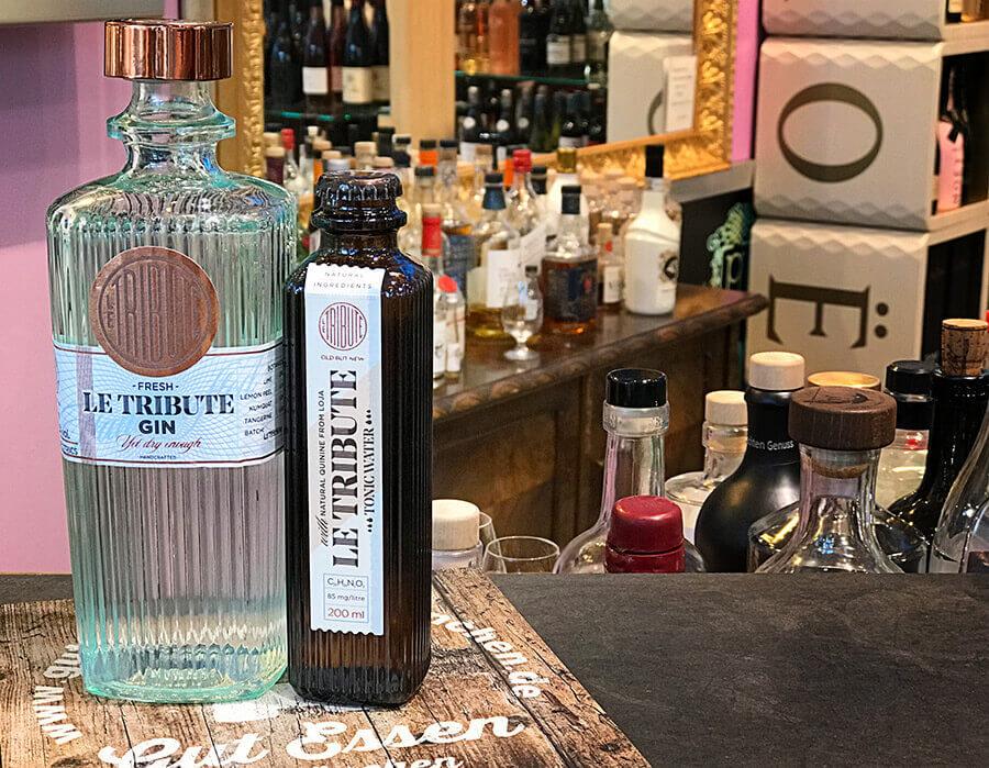 Aus den Destillations-Rückständen des Gins wird das dauz passende Le Tribute TE Tonic hergestellt.