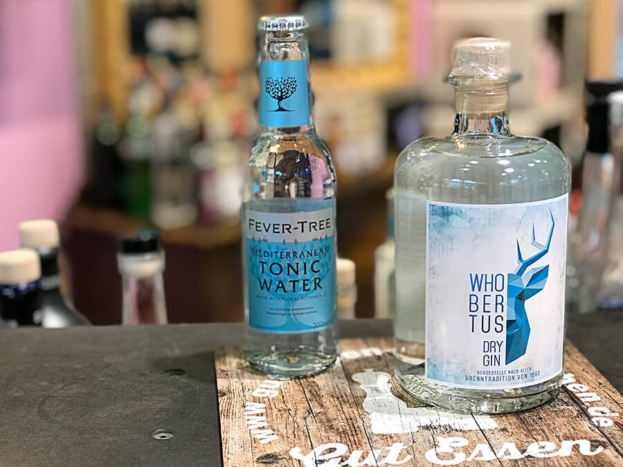 Das Fever-Tree Mediterranean passt gut zum Whobertus Gin