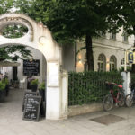Das Hauptgericht wurde im Gerners Wirtshaus & Bar am Westfriedhof zubereitet