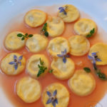 Marubini, Ricotta, Amalfi-Zitrone mit lauwarme Tomatensoße